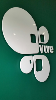 3D-cut-white-logo-VIVE