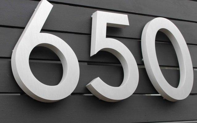 Cast-aluminium-numbers-650