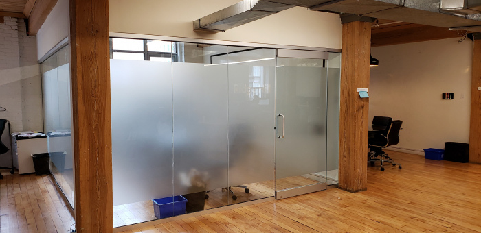 Frosted-vinyl-on-cube-glass-office